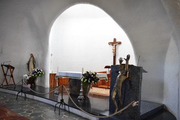 Porto Cervo Kirche Altar Stella Maris Costa Smeralda Palau Sardinien Italien