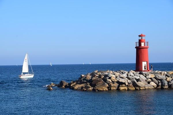 12_Leuchtturm-Hafen-Imperia-Ligurien-Italien