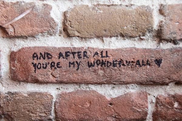 Verona Sehenswürdigkeiten Oasis Wonderwall-Zitat Mauer Torre dei Lamberti Italien