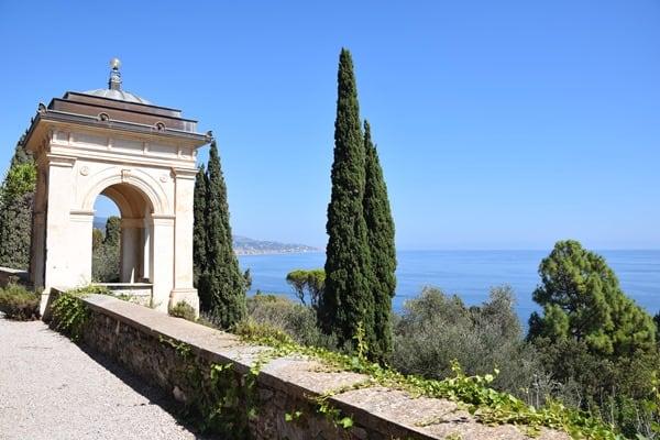 15_Terrasse-Villa-Hanbury-Botanischer-Garten-Hanbury-Ventimiglia-Ligurien-Italien-Blumenriviera