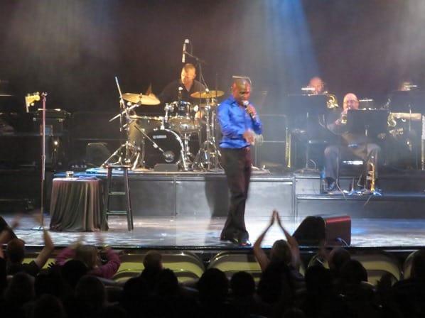 26_Kreuzfahrtschiff-Royal-Caribbean-Vision-of-the-Seas-Motown-Songs-Theater