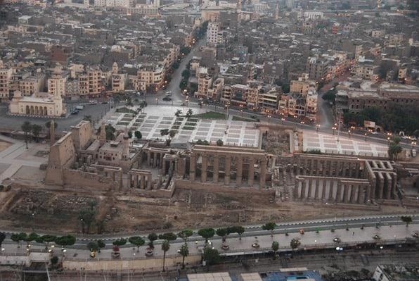 Nilkreuzfahrt Luxor Tempel Nil  Sonnenaufgang Heissluftballon Ägypten Urlaub