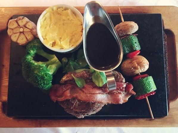 07_Knoblauch-Steak-Restaurant-Balthasar-Tallinn-Estland