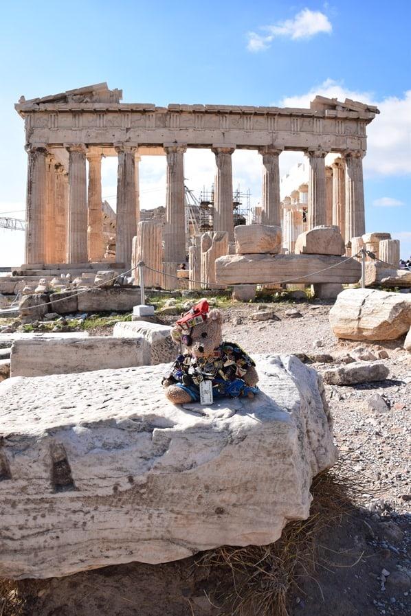 15_Kreuzfahrtblogger-Maskottchen-Jack-Bearow-Parthenon-Akropolis-Athen-Griechenland-Kreuzfahrt-Mittelmeer