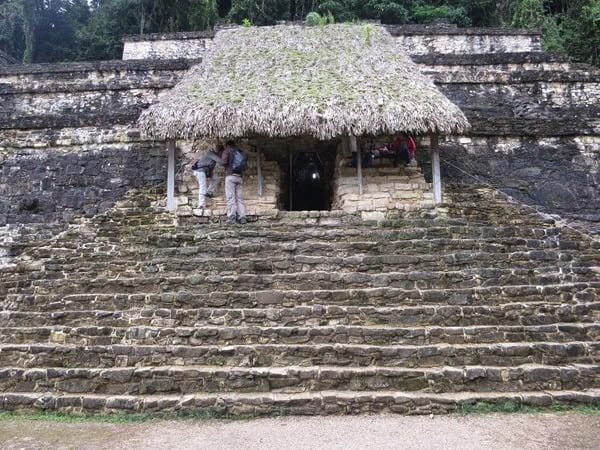 Palenque Mexiko Sehenswürdigkeiten Grab Maya Stätte Ruine Urwald