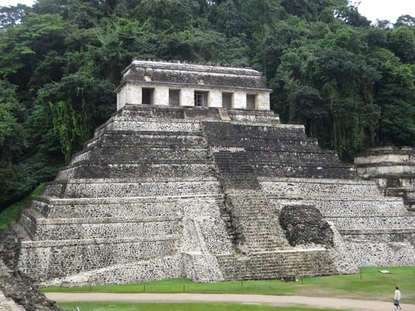 Palenque Mexiko Sehenswürdigkeiten Aquädukt Maya Stätte Ruine Urwald