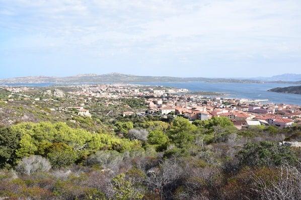 La Maddalena Sardinien Blick auf die Stadt Italien Mittelmeer