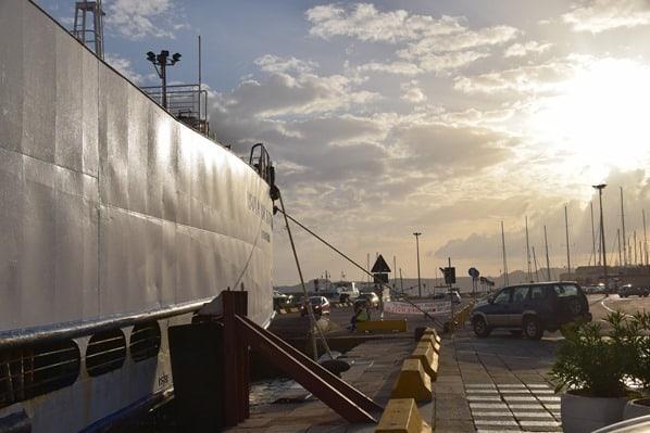 La Maddalena Fähre Saremar Hafen Sardinien Italien Sonnenuntergang