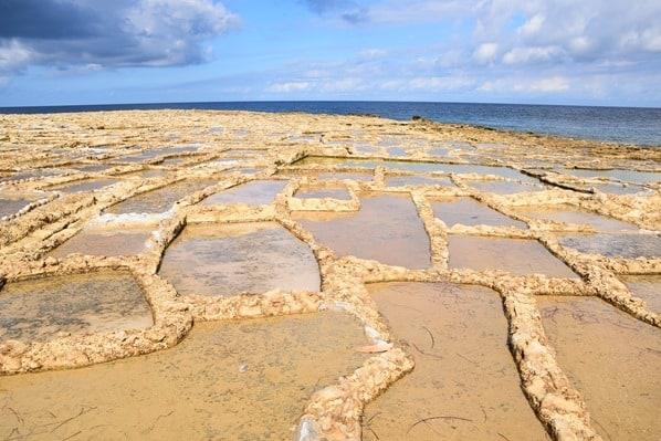 Gozo Malta Wandern Sehenswürdigkeiten xwejni salt pans Salzpfannen Salinen