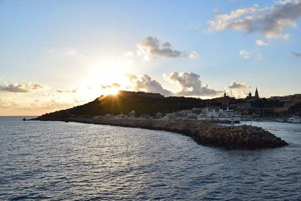 Gozo Malta Wandern Sehenswürdigkeiten Sonnenuntergang Hafen Mgarr