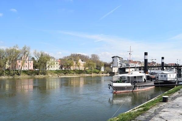 Regensburg Sehenswürdigkeiten Donaudampfschifffahrt Donau