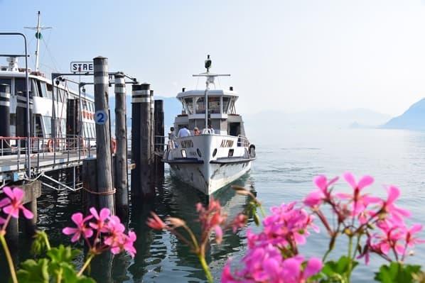 Stresa Lago Maggiore Fähre Alpina Schiff Hafen Piemont Italien