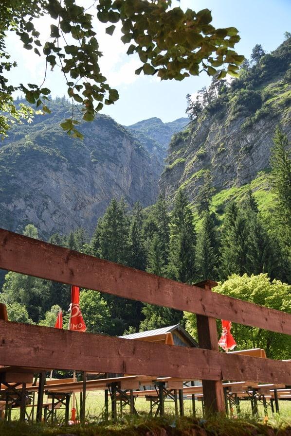 Biergarten Gaisalm Achensee wandern Tirol Österreich