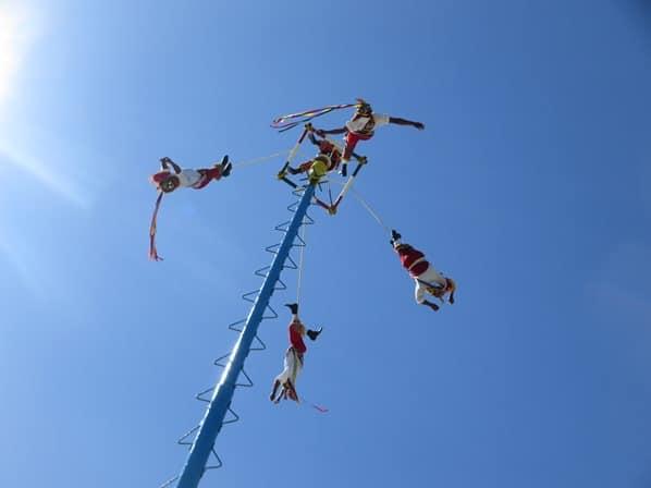 Tulum Mexiko Maya Tempel Tanz Juego Danza de Volador am Pfahl Yucatan