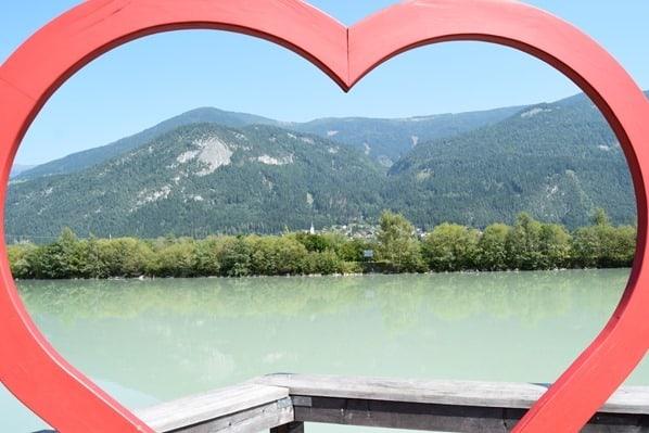 Eindrücke Drauradweg Drau Ufer Herz Kärnten Österreich