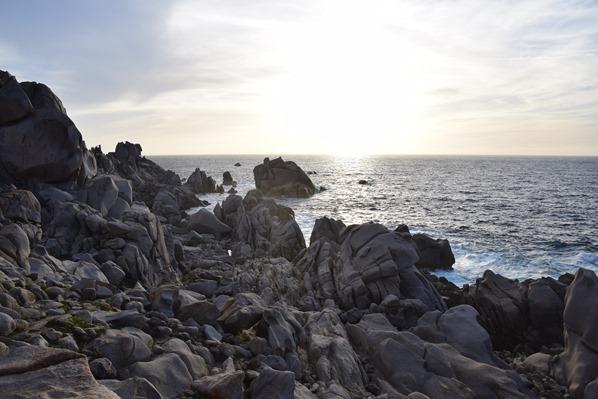 12_bizarre-Felsen-Sonnenuntergang-Capo-Testa-Sardinien-Italien