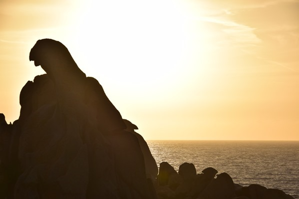 21_bizarre-Felsen-im-Sonnenuntergang-am-Capo-Testa-Sardinien-Italien