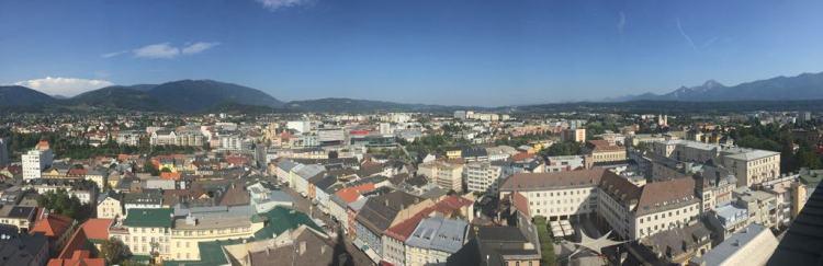 Drauradweg Panorama vom Turm der Pfarrkirche St. Jakob Villach Kärnten Österreich