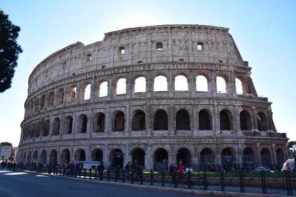 01_Kolosseum-Colosseo-Citytrip-Rom-Italien