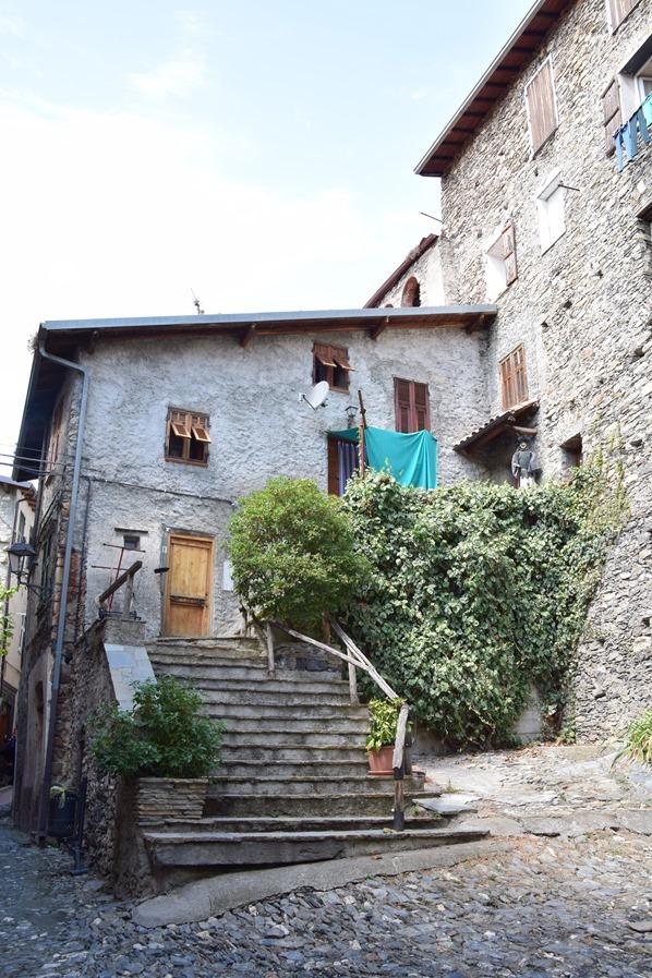 Triora Altstadt mittelalterliches Haus Hexendorf Ligurien Italien