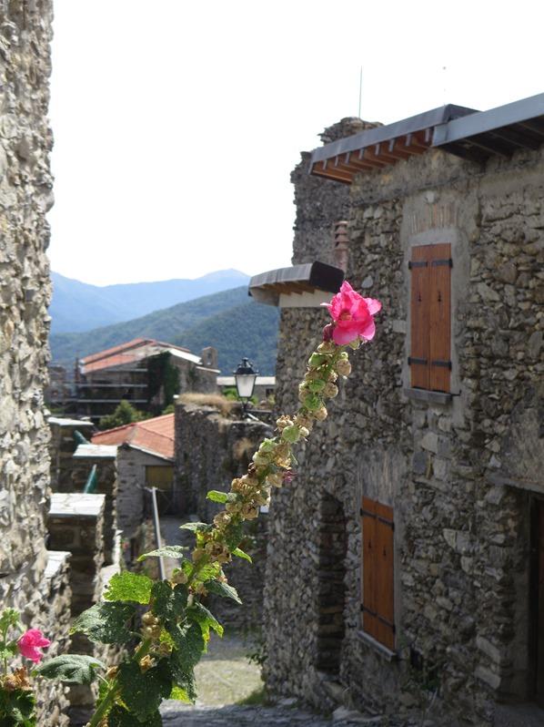 Triora Altstadt mittelalterliche Gassen Hexendorf Ligurien Italien