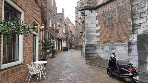 14_a-rosa-Flusskreuzfahrt-Rhein-Kirchgasse-Stevenskerk-Nijmegen-Holland-Niederlande