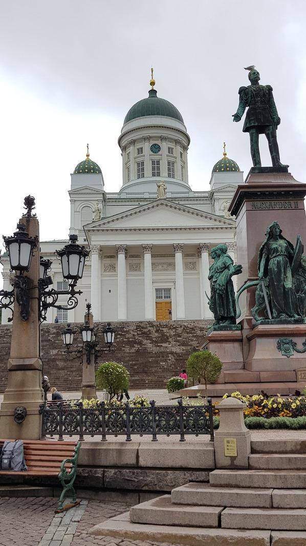 Dom von Helsinki Sehenswürdigkeiten Senatsplatz Finnland Minikreuzfahrt Ostsee Baltikum