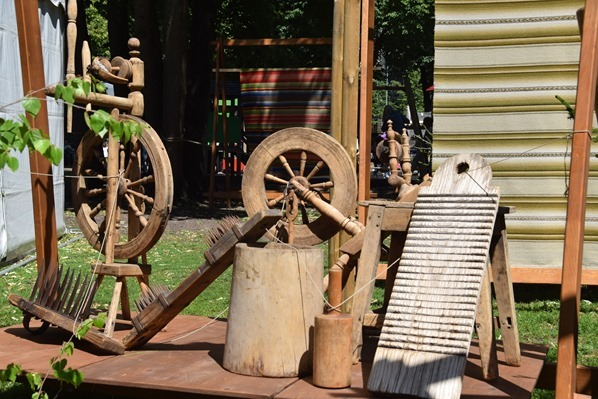 historischer Markt Spinnrad Sängerfest Riga Lettland Ostsee Kreuzfahrt