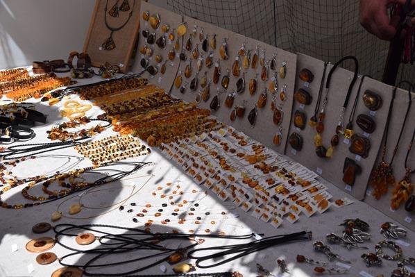 historischer Markt Bernstein Schmuck Sängerfest Riga Lettland Ostsee Kreuzfahrt