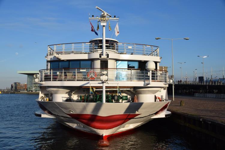 arosa flusskreuzfahrt rhein hafen amsterdam niederlande holland a-rosa brava