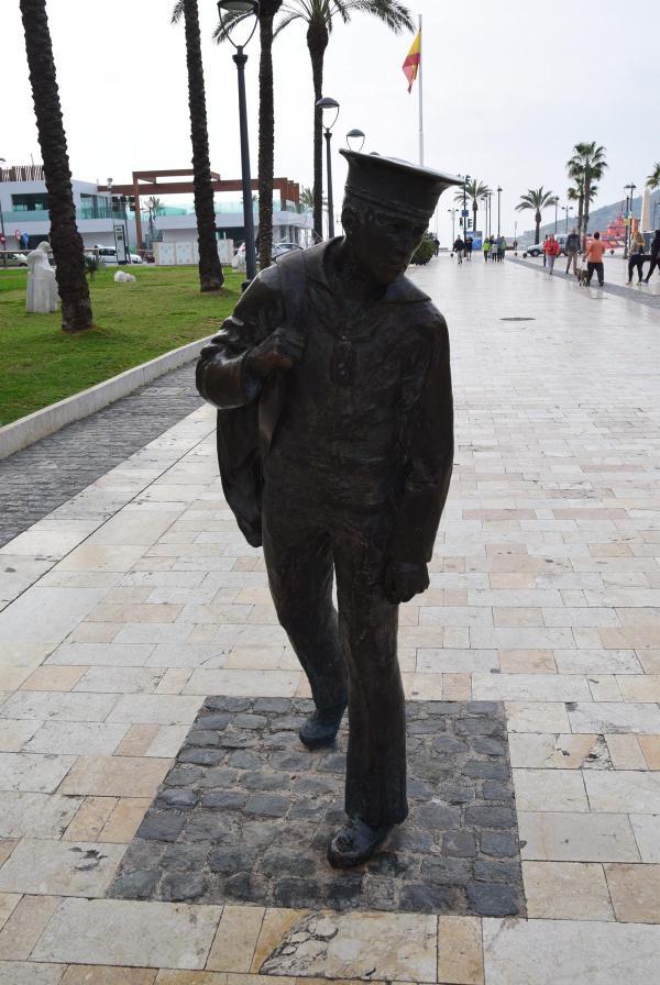 marinedenkmal monumento al marinero de reemplazo cartagena spanien aida familien kreuzfahrt