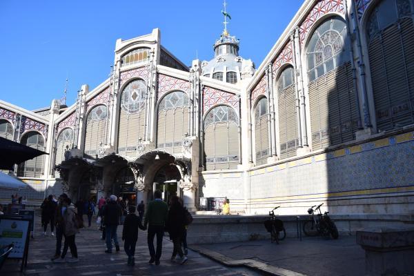 zentrale markthalle mercat central valencia spanien aida familien kreuzfahrt