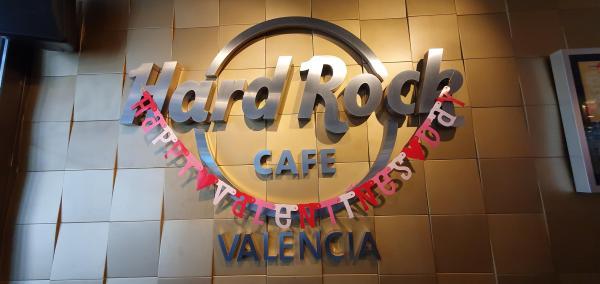 hard rock cafe valencia valentines day spanien aida familien kreuzfahrt
