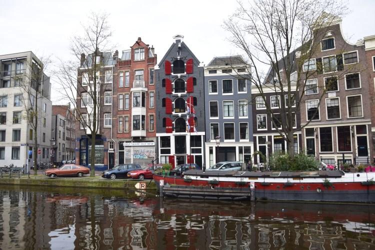 grachten haeuser amsterdam holland niederlande