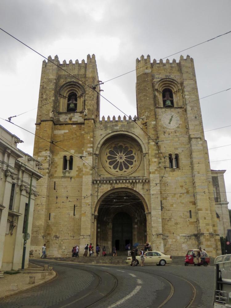 Städtereise Lissabon Sehenswürdigkeiten Kirche Kathedrale sé de Lisboa Catedral sé Patriarcal Portugal