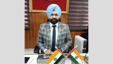 DC Ferozepur donates five days salary in Red Cross Relief Fund