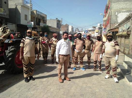 Shah Satnam Welfare Force working on to sanitize the villages