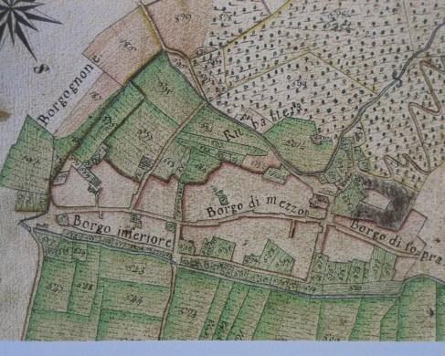 L'antica mulattiera è rappresenta fin dalla antiche mappe che riproducono il Borgo di Sant'Ambrogio
