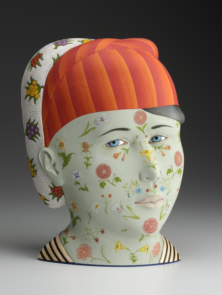 """Sergei Isupov, """"Jarira"""" 2013, porcelain, glaze, slip, 14 x 10 x 6""""."""