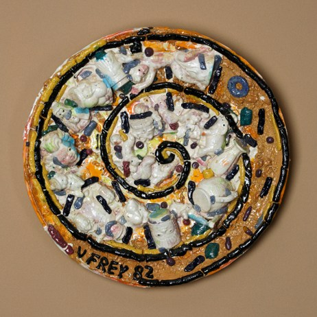 """Viola Frey, """"Plate Full of Figurines (From the Bricolage Series), 1982, glaze, ceramic, 25 x 4""""."""