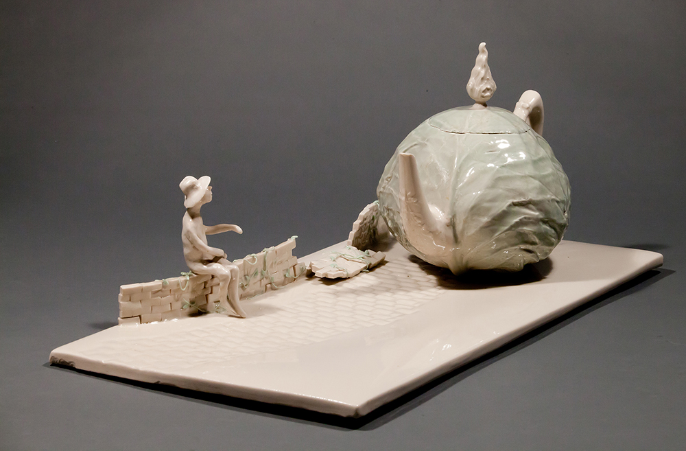 """Coille Hooven, """"Cabbage Road"""" 1979, porcelain, 7.625 x 19.25 x 9.5"""". photo: Farrol Mertes"""