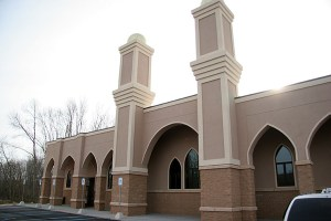 The Islamic Mosque and Religious Institute in Kentwood, Michigan serves a diverse Muslim community in the Grand Rapids area. Image embedded from http://muslimsinmichigan.org/2010/04/12/islamic-mosque-and-religious-institute-kentwood-mi/
