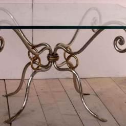 tavolo-in-ferro-e-cristallo