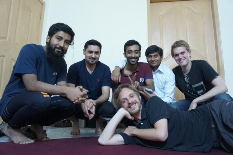 Lahore: Martin und ich wurden von diesen vier lustigen Jungs beherbergt