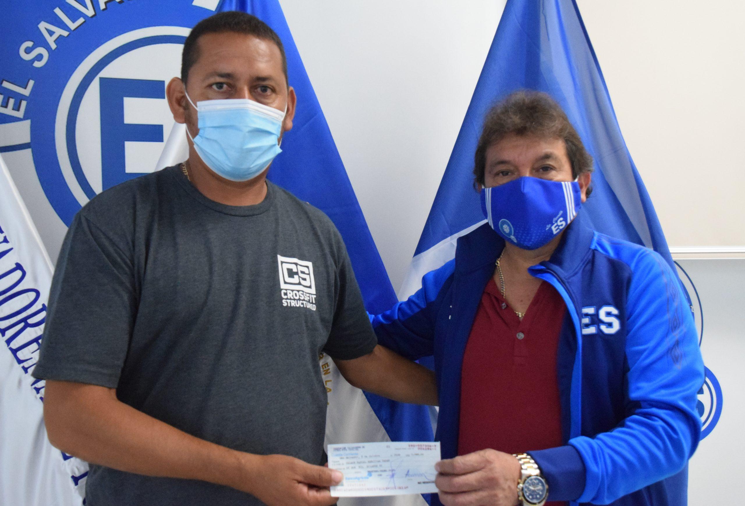 Señor Nelson Menjívar del Club Deportivo Huracán de Atiquizaya, Ahuachapán