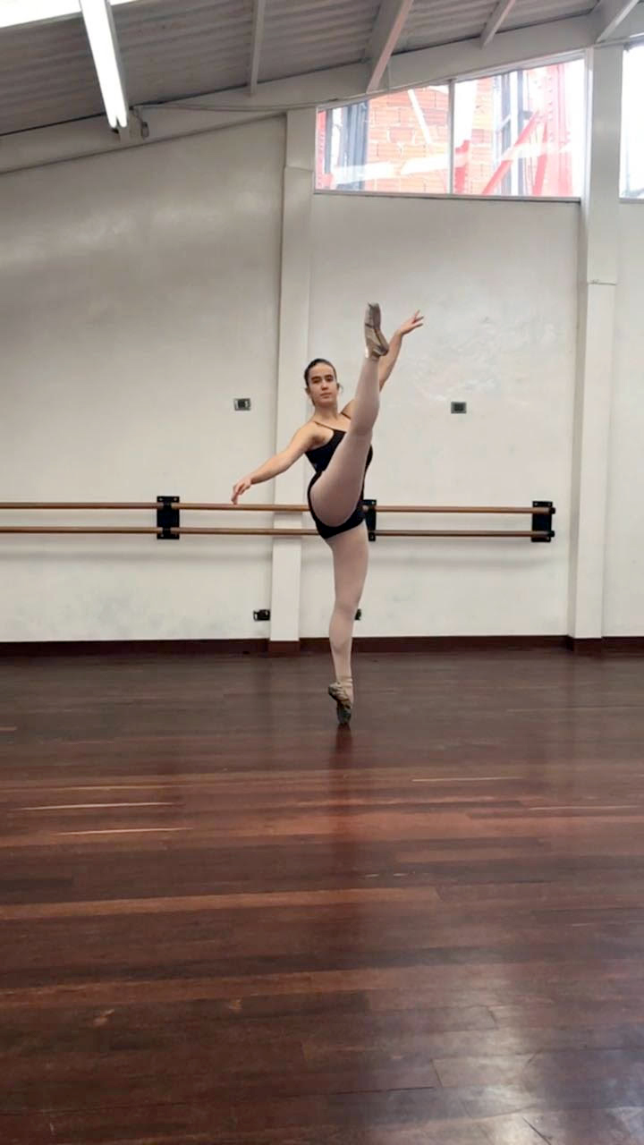 Laura Zuleta - Festival Art Ballet School