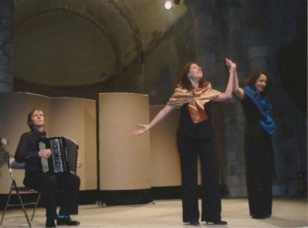 2010, 40 ans de musique à Saint-Savvinien - «L'Heure Exquise» : Emmanuelle Biscara, mezzo-soprane ; Anne Gotkovsky, mezzo-soprane ; Michel Glasko, accordéon
