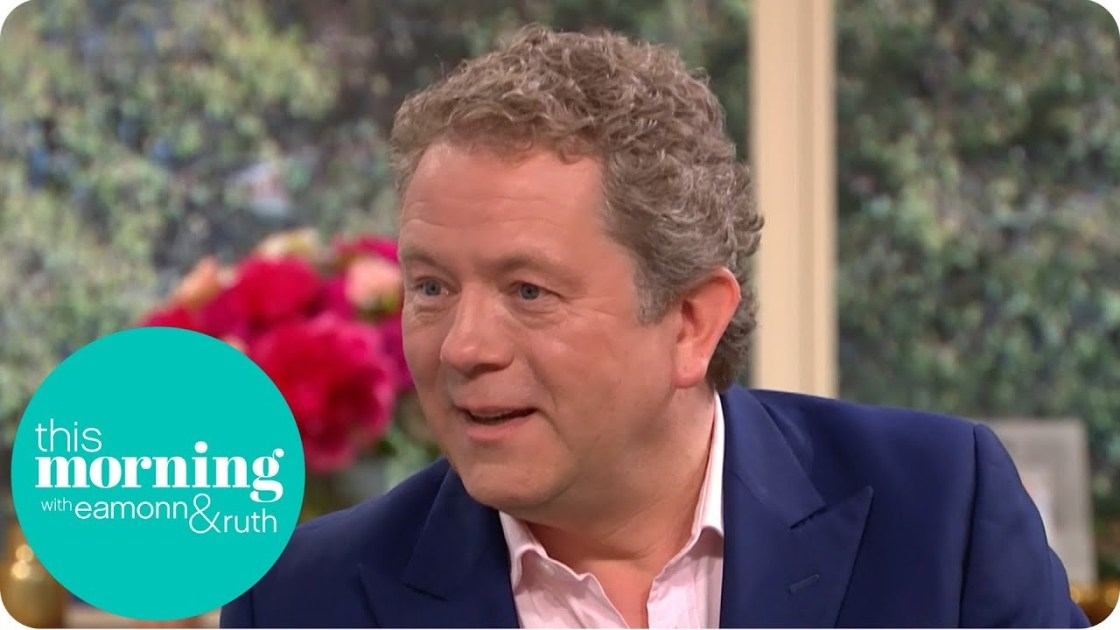 Impressionist Jon Culshaw Orders Pizza as Other Celebrities!   This Morning