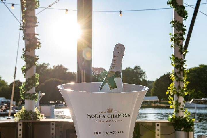 #MondayBlues dreaming of river views and Moët on ice...the perfect pairing  #Mu...