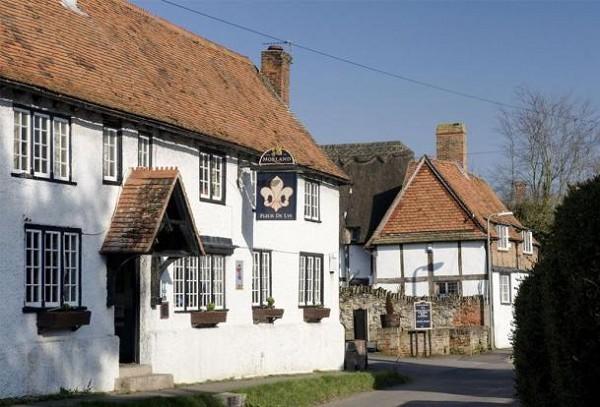 Fleur De Lys Didcot : Beautiful English Pub : Live music, Great Food